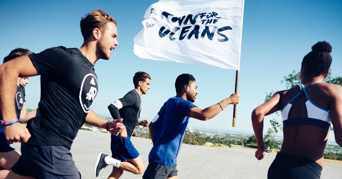 A World Race to Make Waves The Story of Run for the Oceans