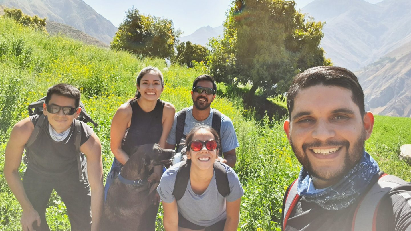 A group of hikers taking a selfie in the outdoors. disconnect on vacation, holiday, work-life balance, unplug, outdoor, work, detox