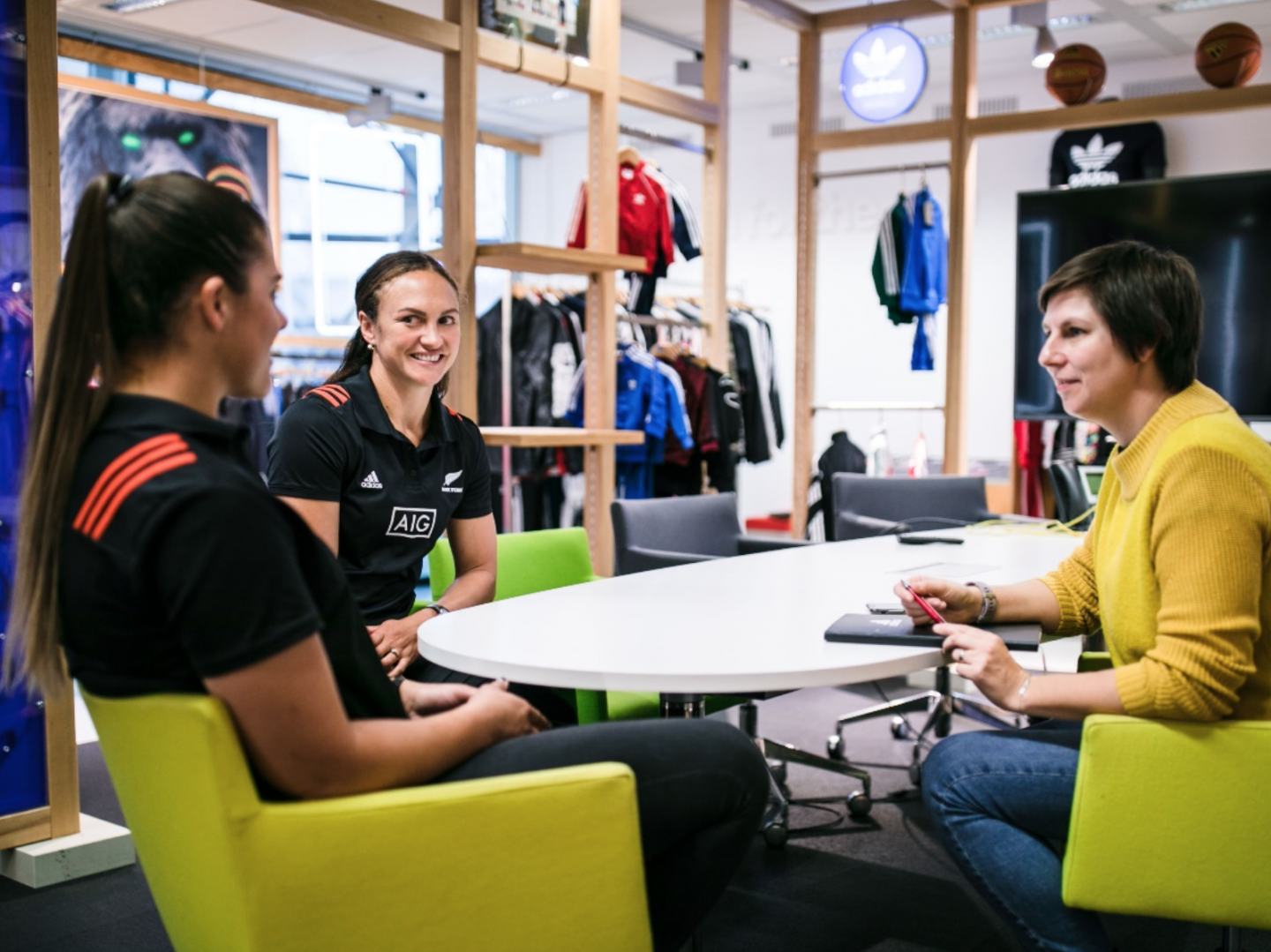 An interview with Les Elders and Eloise Blackwell from the women's rugby team Black Ferns