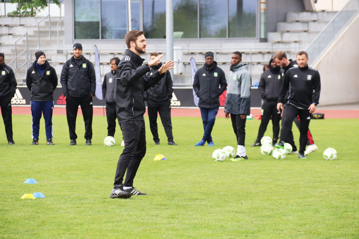 Coerver coach in action on the football pitch - coaching teams