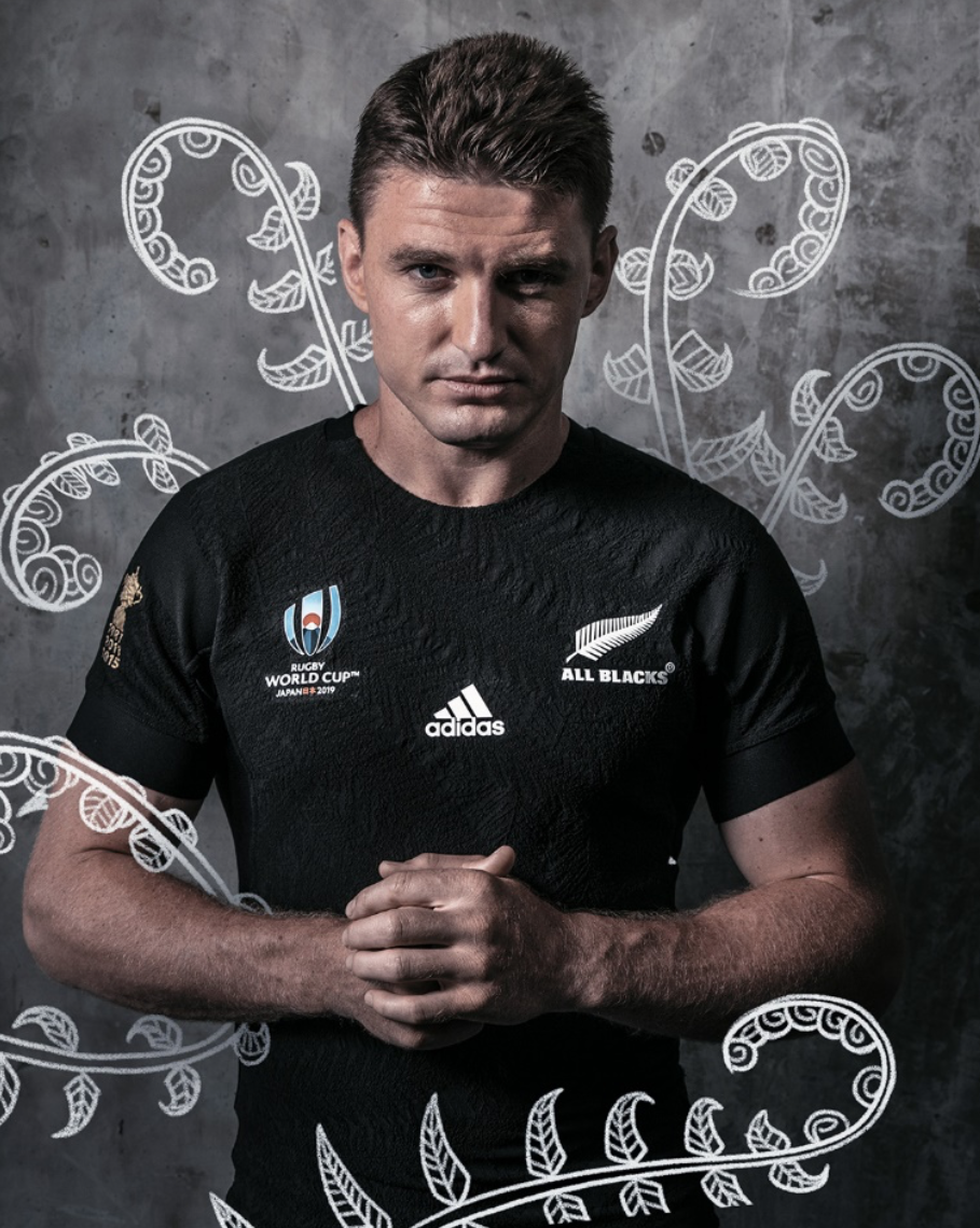 All Blacks player posing for picture, all blacks jersey, all blacks, rugby, adidas