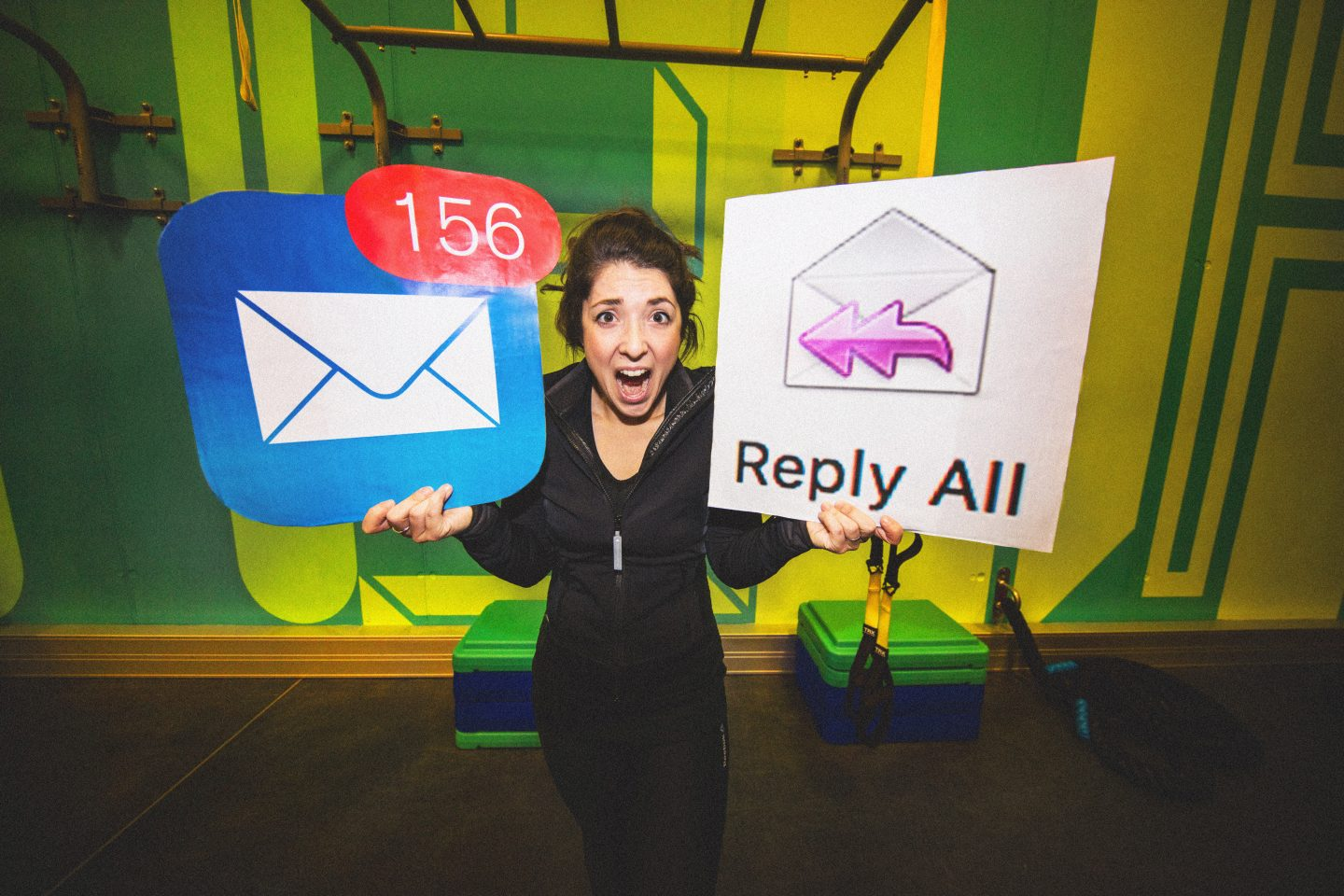 woman screaming with email sign detox email inbox