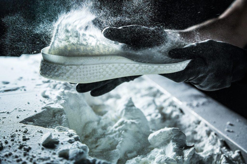 un passo nel futuro: 3d stampato le scarpe sportive adidas gameplan un