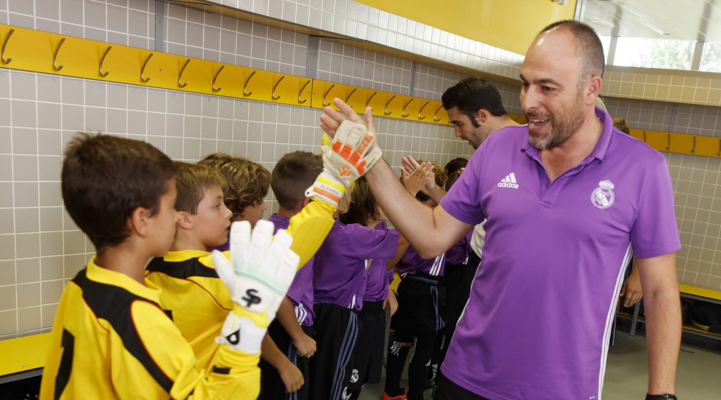 adidas-Real-Madrid-kids-youth-players-team