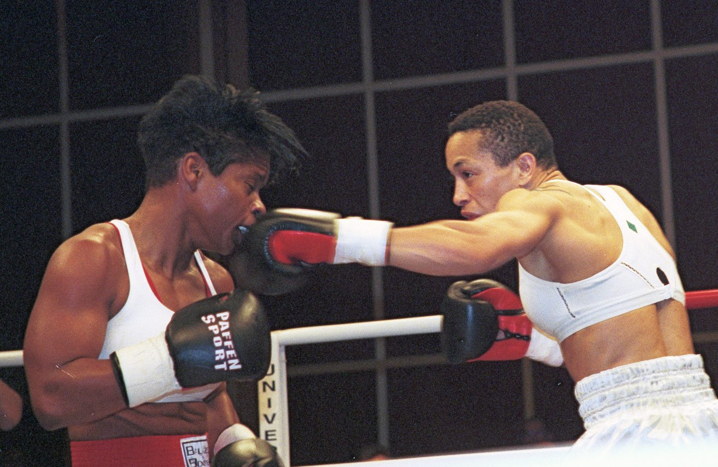 Michele-Aboro-vs-Brown-Fighting-punch--left-jab