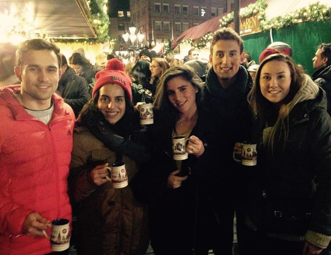 team_friendship_Christmas Market with other Coworkers