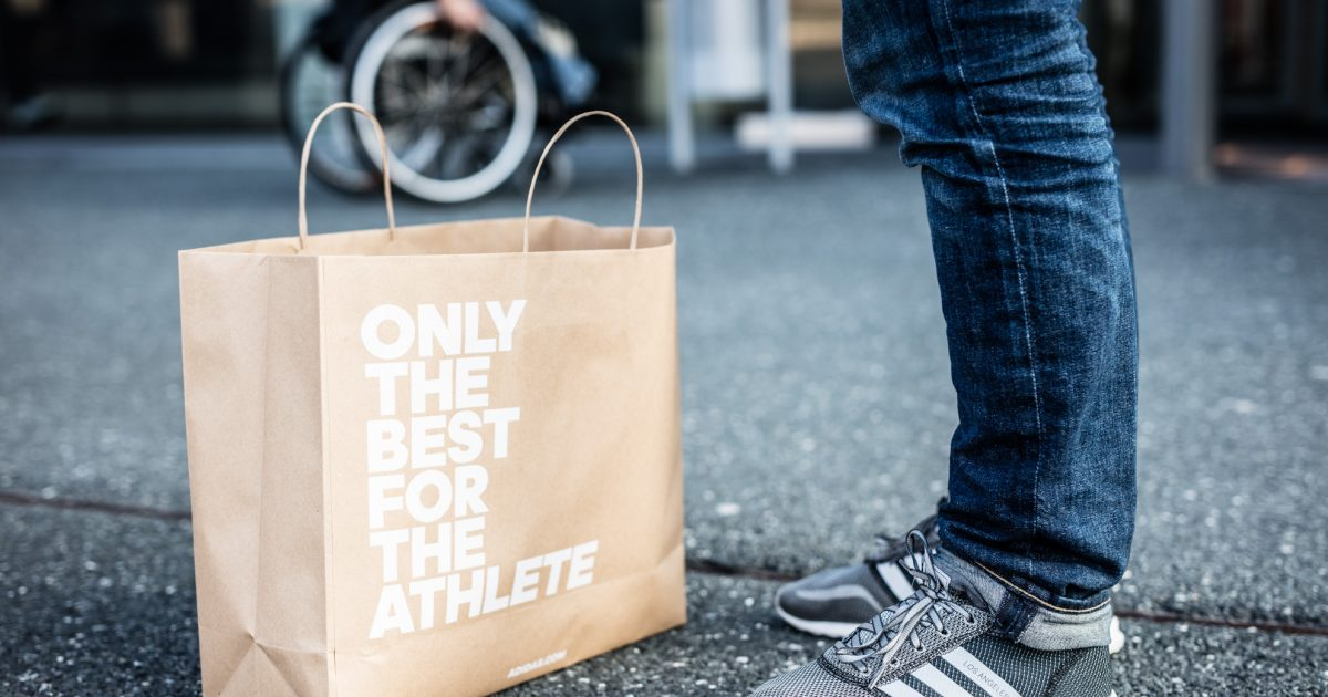 plus de photos b5a93 9382f Plastic bags at adidas stores are history – here's how we ...