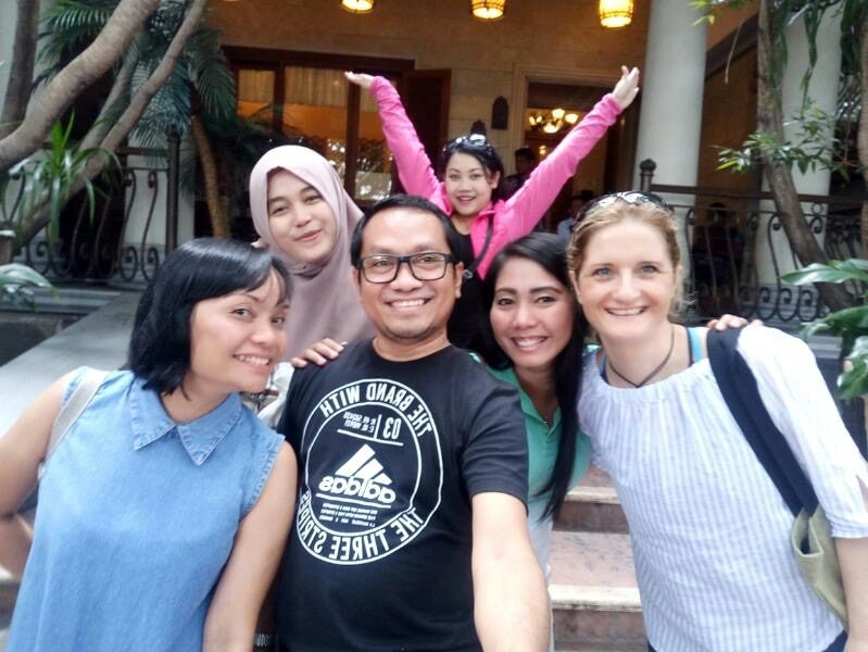 intercultural exchange friends asia group