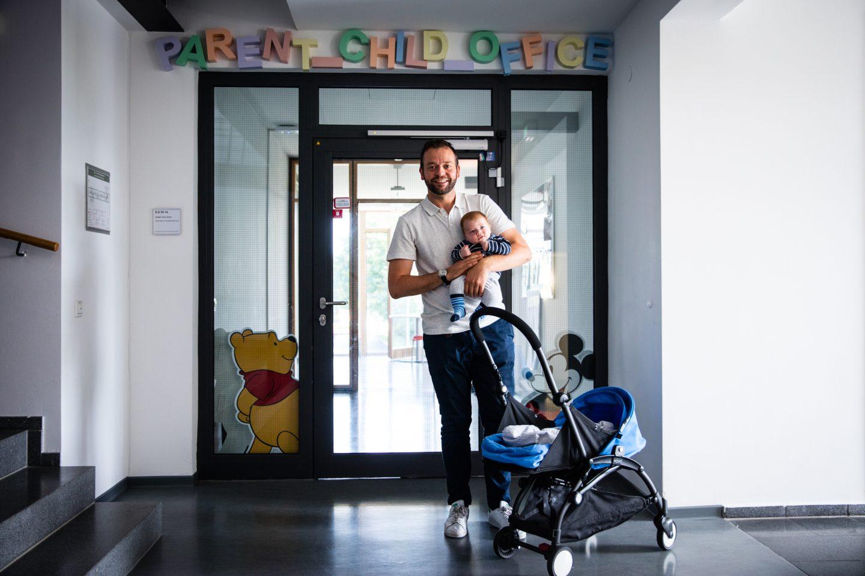 Parental Leave_ Baby_Daddy_Kindergarten_