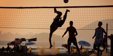 Futvolley_Sunset_Playing