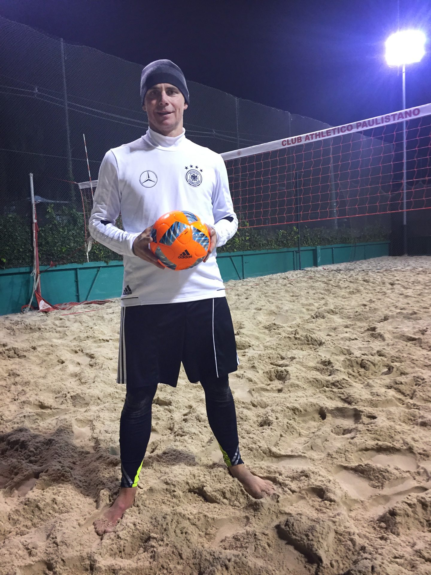 Footvolley_proud_night_Pitch_Posing